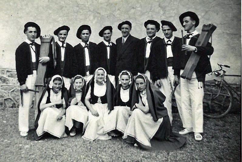 1950danseurs pau