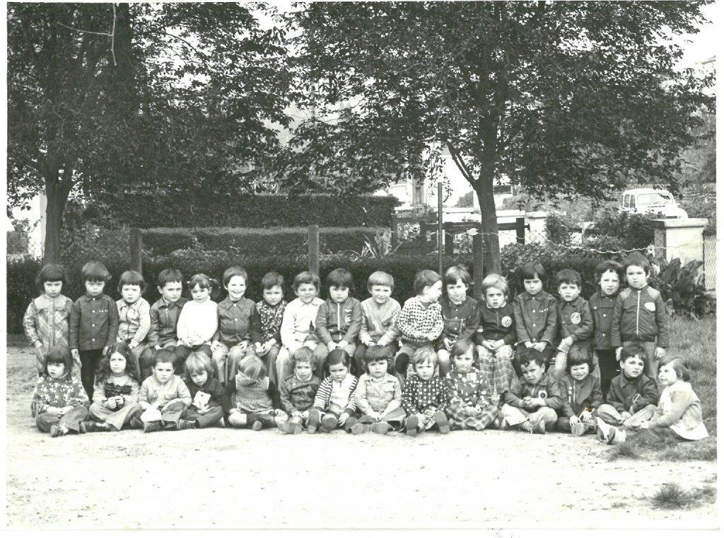 1975 76 mat